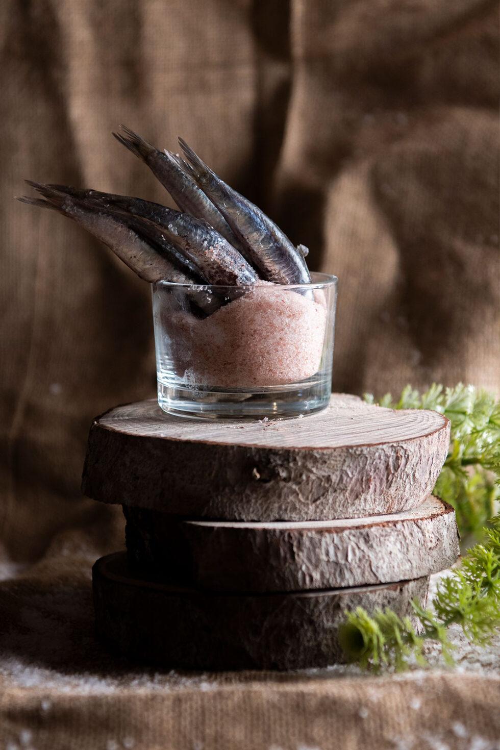 Sardines in pink salt